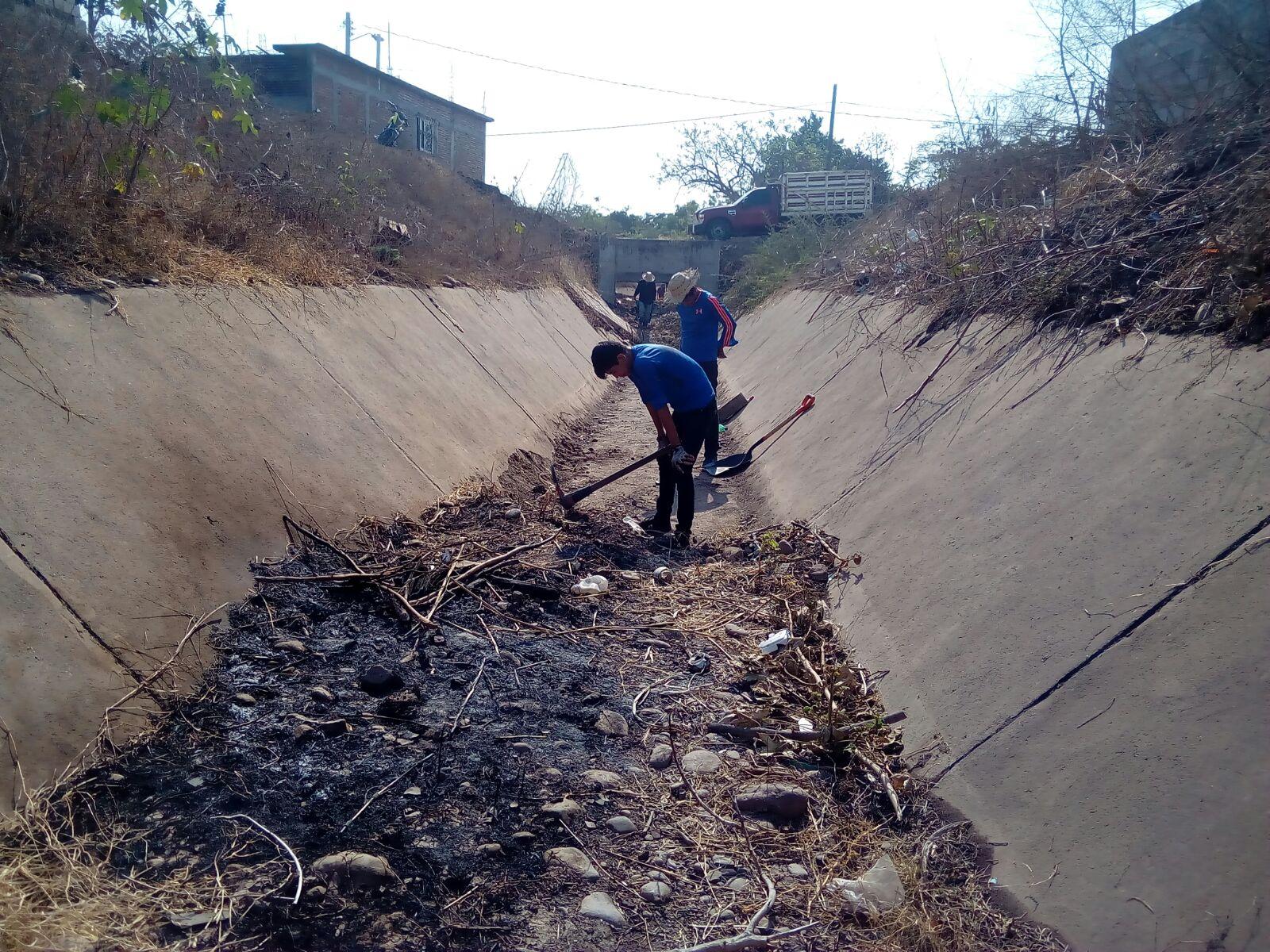 Exhortan a no tirar basura en ríos, canales y arroyos del municipio –  Extraoficial